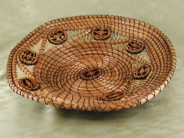 Spiral Wafer Basket & Raffia