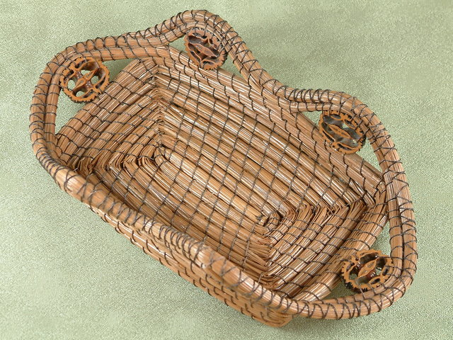 Wallet Basket